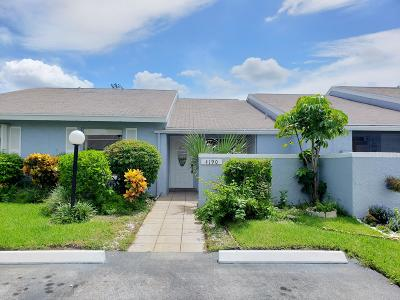 Broward County, Palm Beach County Single Family Home For Sale: 4190 Lucerne Villas Lane