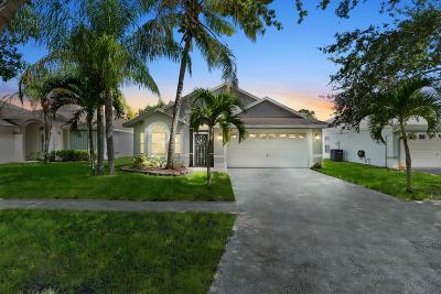 Single Family Home For Sale: 1716 Pondberry Lane