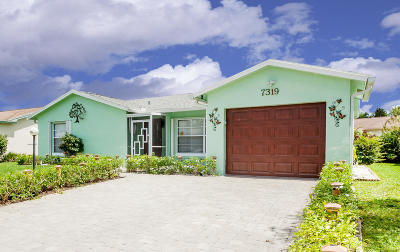 Lake Worth Single Family Home For Sale: 7319 Pineforest Circle