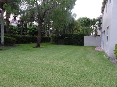 Boynton Beach Single Family Home For Sale: 4052 Woodhill Place