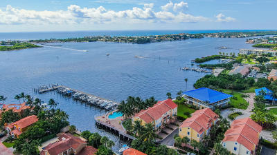 Boynton Beach Townhouse For Sale: 144 Harbors Way