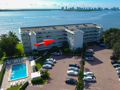 North Palm Beach Condo For Sale: 60 Yacht Club Drive #305
