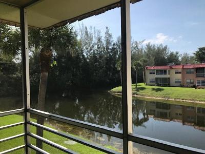 West Palm Beach Condo For Sale: 232 Lake Dora Drive