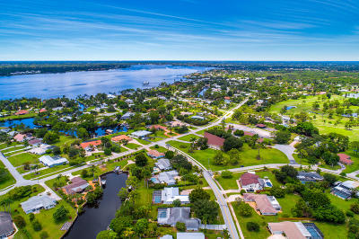 Martin County Single Family Home For Sale: 1500 NW Lakeside Trail