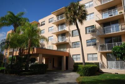 West Palm Beach Condo For Sale: 480 Executive Center Drive #5i