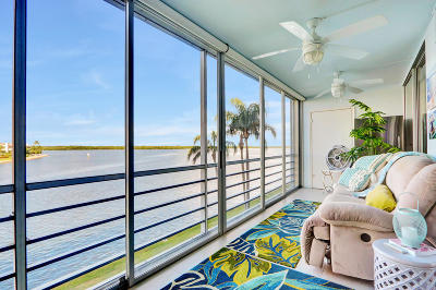 North Palm Beach Condo For Sale: 44 Yacht Club Drive #308