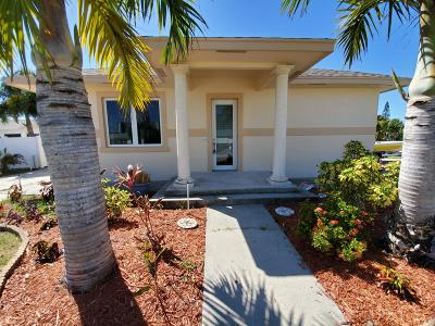 Jensen Beach Single Family Home For Sale: 89 El Mar Drive