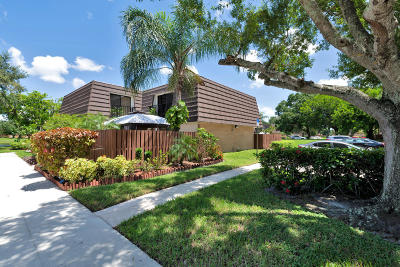 West Palm Beach Townhouse For Sale: 7813 78th Way