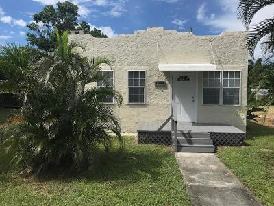 West Palm Beach Single Family Home For Sale: 1045 W Lakewood Road