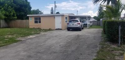 Lake Worth Single Family Home For Sale: 390 Hibiscus Tree Drive