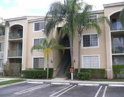 West Palm Beach Condo For Sale: 1707 Village Boulevard #107