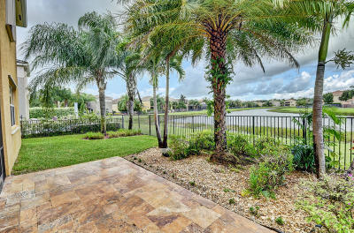Boynton Beach Single Family Home For Sale: 8012 Emerald Winds Circle