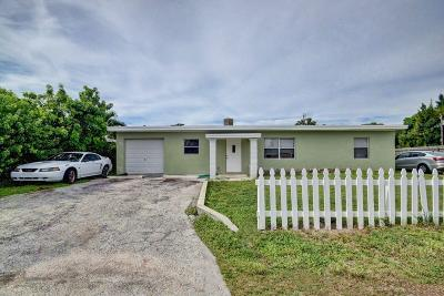 Lake Worth Multi Family Home For Sale: 1213 Highview Road