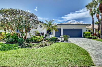 Boynton Beach Single Family Home For Sale: 35 Hampshire Lane