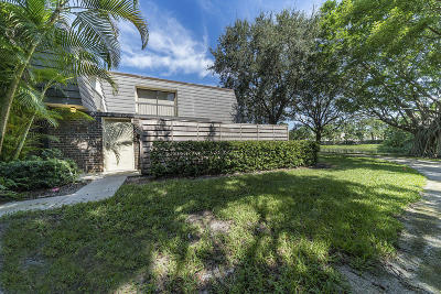 Palm Beach Gardens FL Townhouse For Sale: $232,500