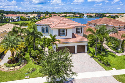 Palm Beach County Single Family Home For Sale: 12140 Aviles Circle