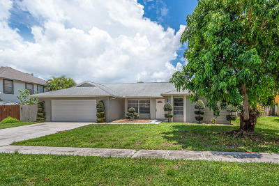 Royal Palm Beach Single Family Home For Sale: 110 Royal Pine Circle