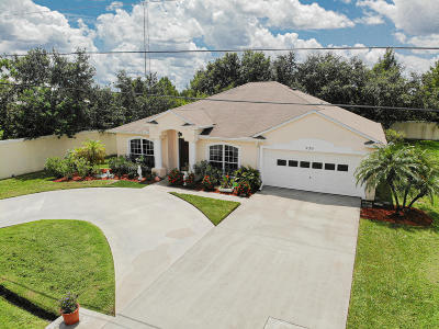 Port Saint Lucie Single Family Home For Sale: 920 SW McCall Road
