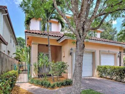 Fort Lauderdale Single Family Home For Sale: 851 SW 11 Court