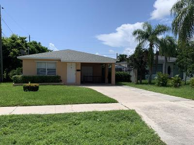 Lake Park Single Family Home For Sale: 210 E Ilex Drive