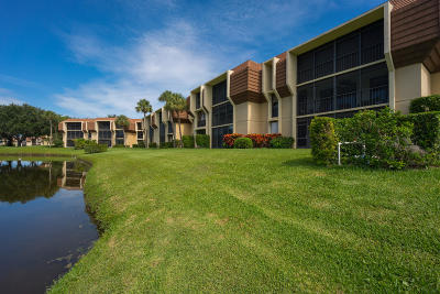 Palm Beach Gardens Condo For Sale: 5250 Woodland Lakes Drive #227