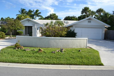 Palm Beach County Single Family Home For Sale: 220 Pirates Place