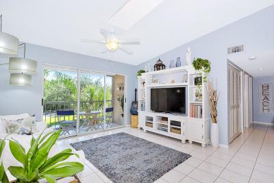 Delray Beach Condo For Sale: 13771 Oneida Drive #C3