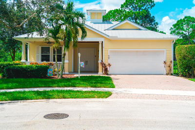 Port Saint Lucie Single Family Home For Sale: 464 NE Bluefish Point