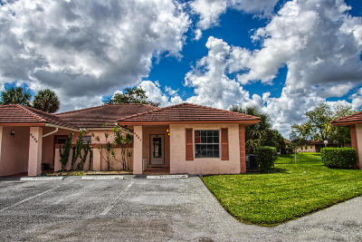 Boca Raton Single Family Home For Sale: 9861 Three Lakes Circle