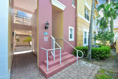 Royal Palm Beach Condo For Sale: 1130 Shoma Drive