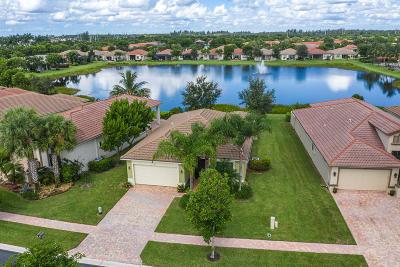 Delray Beach Single Family Home For Sale: 14841 Strand Lane