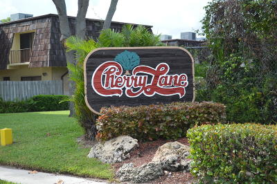 West Palm Beach Townhouse For Sale: 4630 Cherry Road
