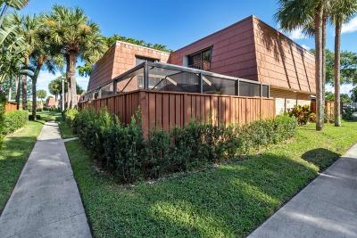 Boynton Beach Townhouse For Sale: 417 Buttonwood Lane