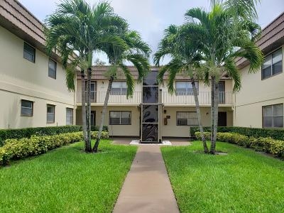 Delray Beach Condo For Sale: 61 Saxony B