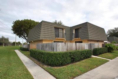 West Palm Beach Townhouse For Sale: 1915 19th Way