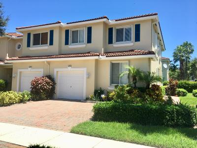 Boynton Beach Townhouse For Sale: 2771 S Evergreen Circle