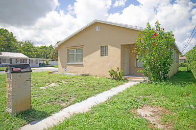 Boynton Beach Multi Family Home For Sale: 401 SE 12th Avenue