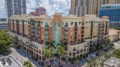 West Palm Beach Condo For Sale: 600 S Dixie Highway #257