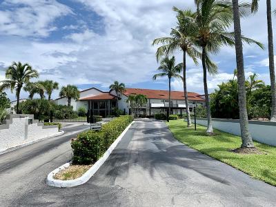 Boynton Beach Condo For Sale: 5801 Ocean Boulevard #203