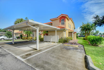 Boynton Beach Condo For Sale: 7426 Lake Meadow Way #202