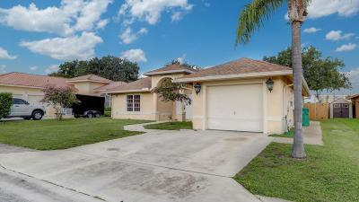 Riviera Beach Single Family Home For Sale: 1741 Essex Lane