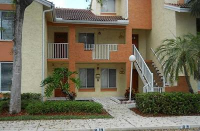Coral Springs Condo For Sale: 930 Coral Club Drive #930