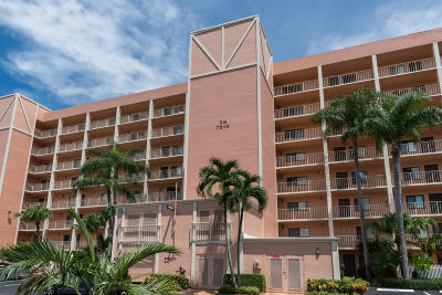 Delray Beach Condo For Sale: 7310 Ashford Place #407