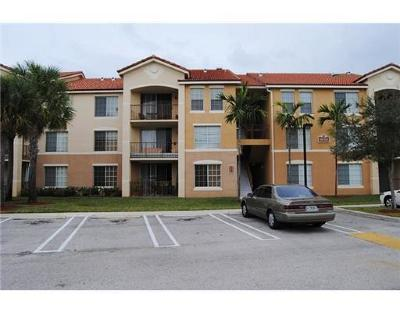 Boynton Beach Condo For Sale: 1010 Villa Circle #1010