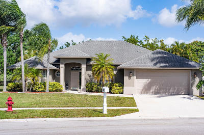 Royal Palm Beach Single Family Home For Sale: 135 Monterey Way