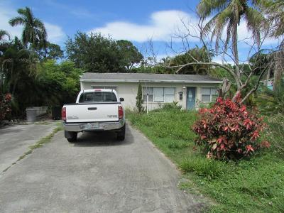 Hobe Sound Single Family Home For Auction: 8349 SE Camellia Drive