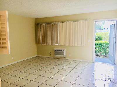 West Palm Beach Condo For Sale: 199 Berkshire J