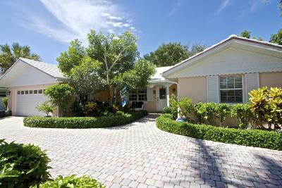 Tequesta Single Family Home For Sale: 219 Golf Club Circle