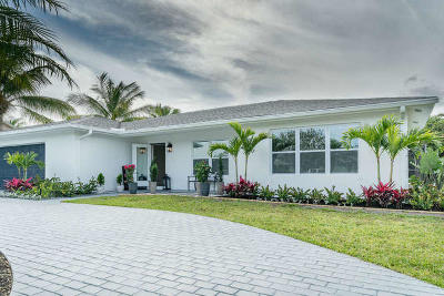 Tequesta Single Family Home For Sale: 14 SE Splitrail Circle
