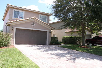 Martin County Single Family Home For Sale: 4813 SE Graham Drive